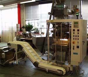 Упаковочный автомат оборудование линия для фасовки и упаковки в порционные пакеты стик stick трубочка